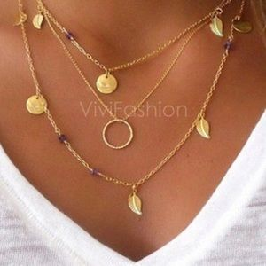 Jewelry - 🎉NEW! Gold charm layered boho dainty necklace🎉